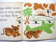 他の写真2: ジョン・ベッグ「Two Little Tigers and how they flew」1947年