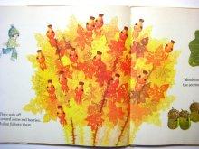 他の写真3: 【チェコの絵本】ヤン・クドゥラーチェク「Julian in the Autumn Woods」1977年